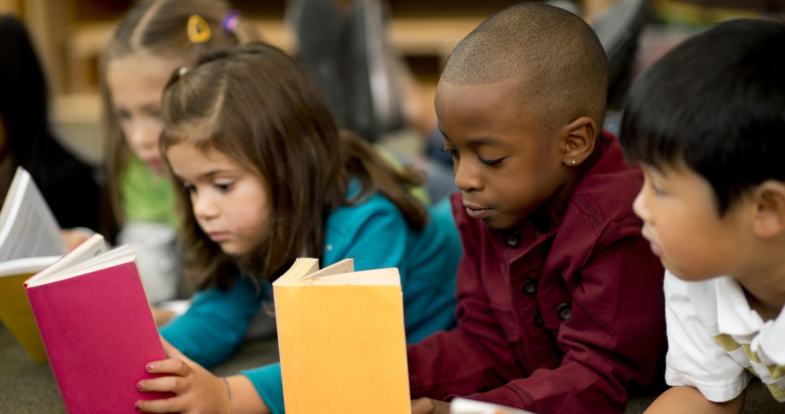 Des difficultés avec la lecture chez les enfants et la malaudition