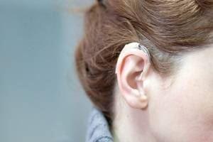 «L'entraînement de la parole dans le bruit aide les personnes qui utilisent des implants cochléaires»