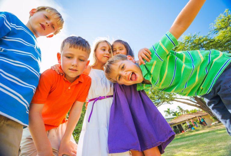 Soyez conscient de la déficience auditive chez les enfants