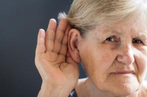 Les coûts globaux de la déficience auditive s'élèvent à près de 1 billion de dollars
